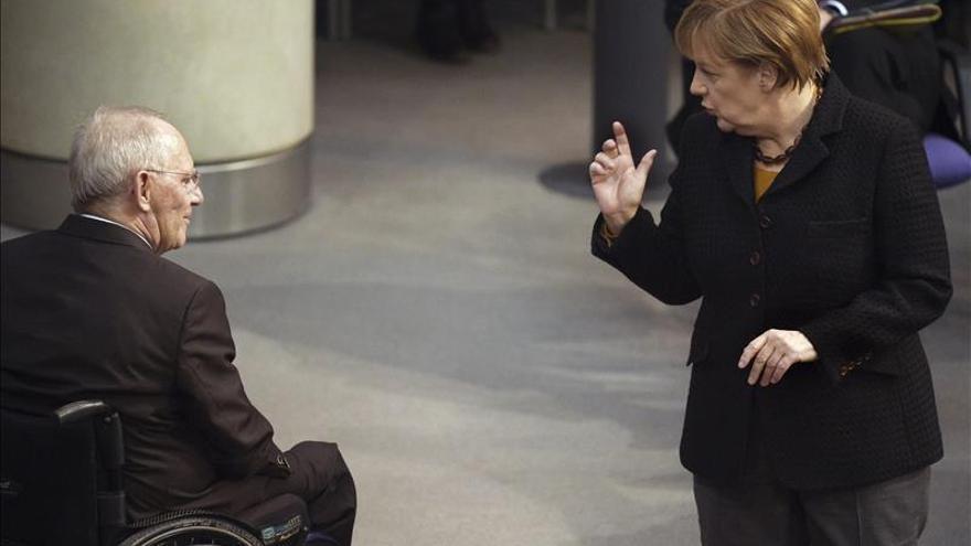 """Merkel afirma que Asad """"nunca puede ser parte de la solución"""" en Siria"""