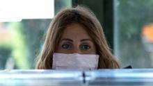 """Sin poder votar en Euskadi por tener COVID-19: """"Me han quitado el derecho"""""""