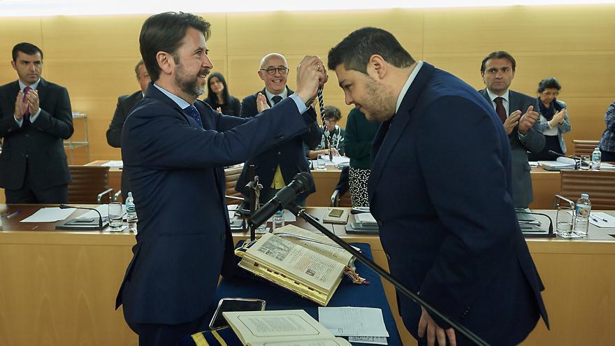 Leopoldo Benjumea tomó posesión como consejero este viernes, tras la marcha de Cristina Valido