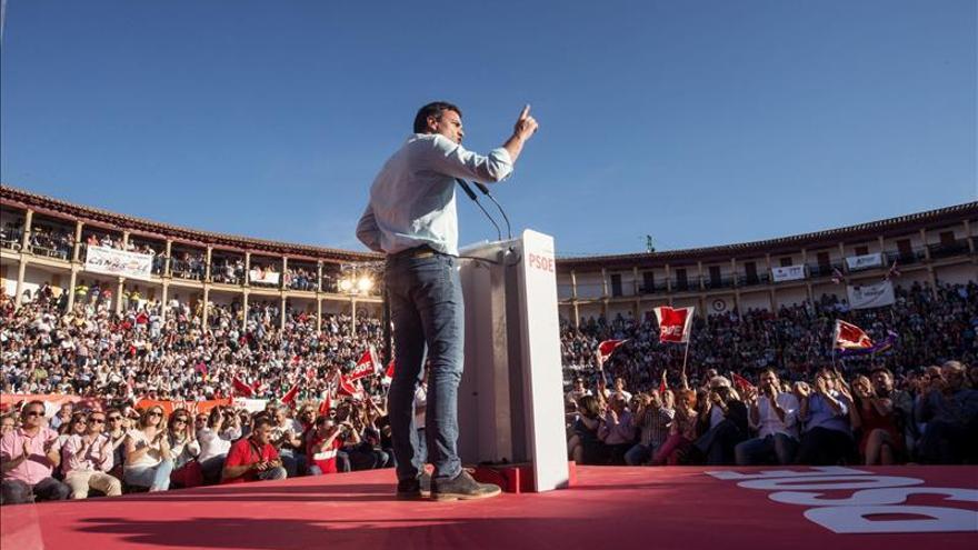 """Sánchez no ve """"preparados"""" a Podemos y Ciudadanos para liderar el cambio"""