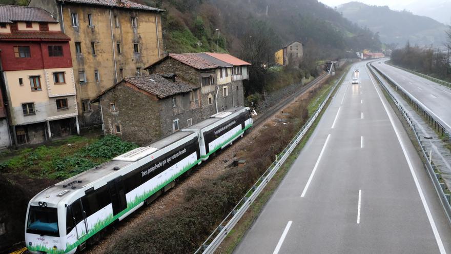 Imagen del tren propulsado por gas licuado.