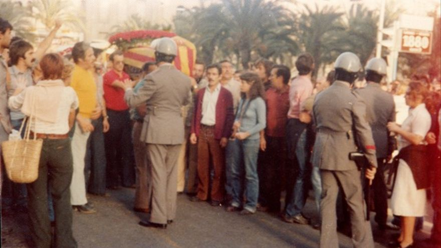 Entierro de Miquel Grau el 16 de octubre de 1977 en Alicante.