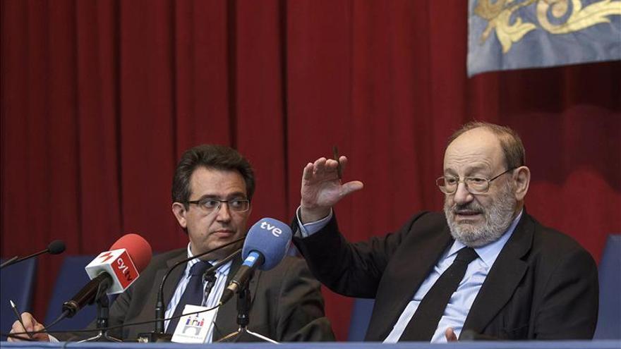 """Umberto Eco cree que la Universidad debe ser """"para una elite"""""""