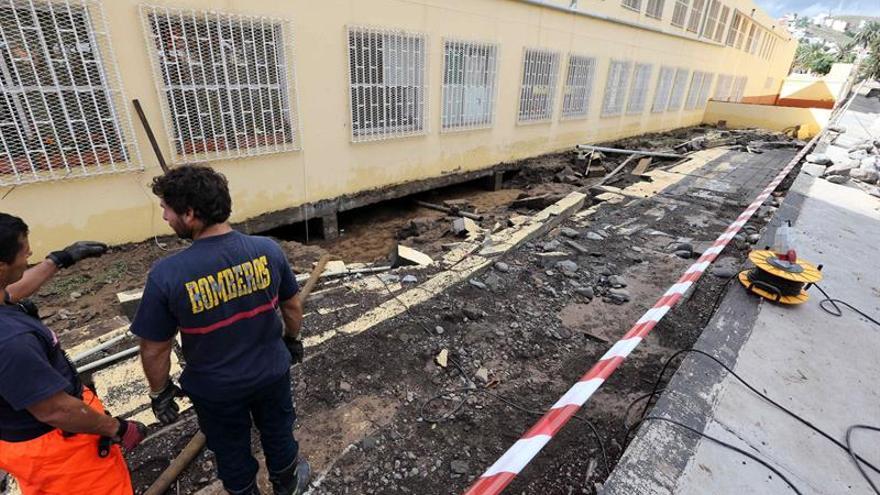 Incidencias en el Colegio Europa de Jinámar (EFE/Elvira Urquijo A)