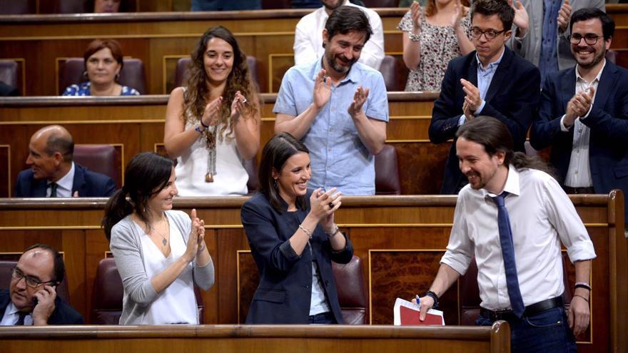 El candidato de Unidos Podemos-En Comú-En Marea, Pablo Iglesias, en la moción de censura a Mariano Rajoy.