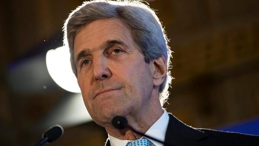 Kerry se reúne con el rey Salman de Arabia Saudí en Riad