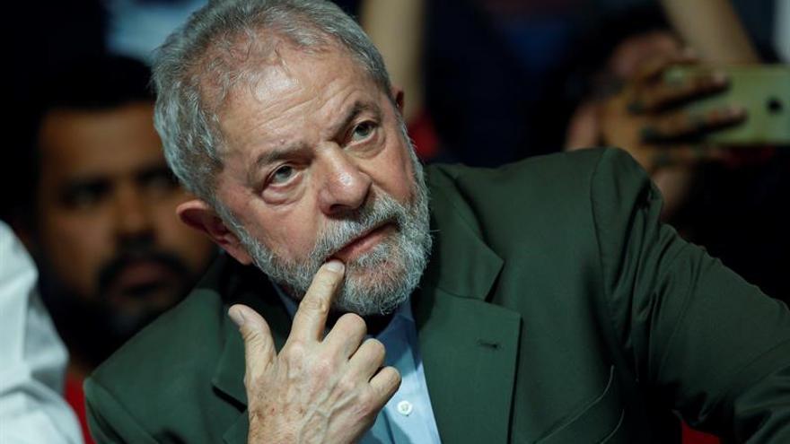 Expresidente de OAS dice que Lula le pidió destruir pruebas de corrupción