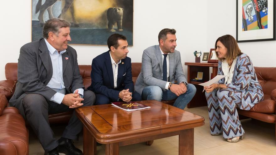 Gobierno y Ayuntamiento colaborarán en la creación de la agrupación de protección civil
