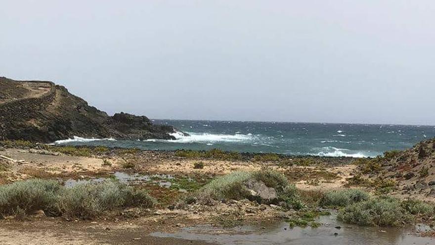Agua residual se canaliza hacia el mar sin control sanitario, en playa de Pelada
