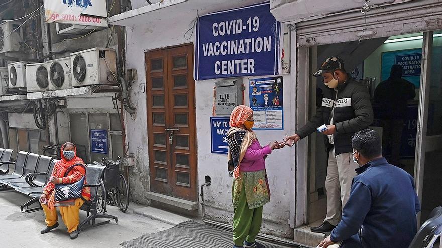 Vacunatorio VIP del planeta: los países que más vacunas se aseguraron bloquean el acceso de los más vulnerables