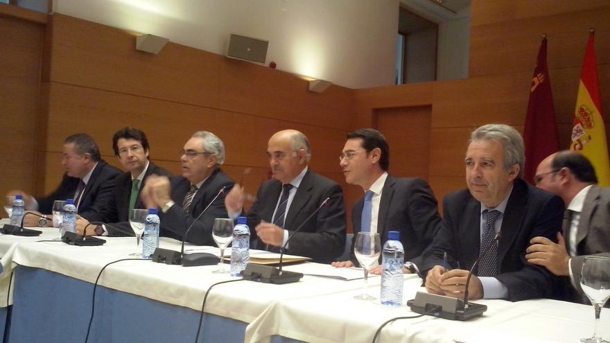 Rueda de prensa del Gobierno de la Región de Murcia para hacer balance del año / 2014