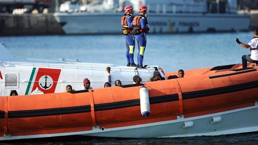 Italia coordina el rescate de cerca de 3.000 personas frente a Libia
