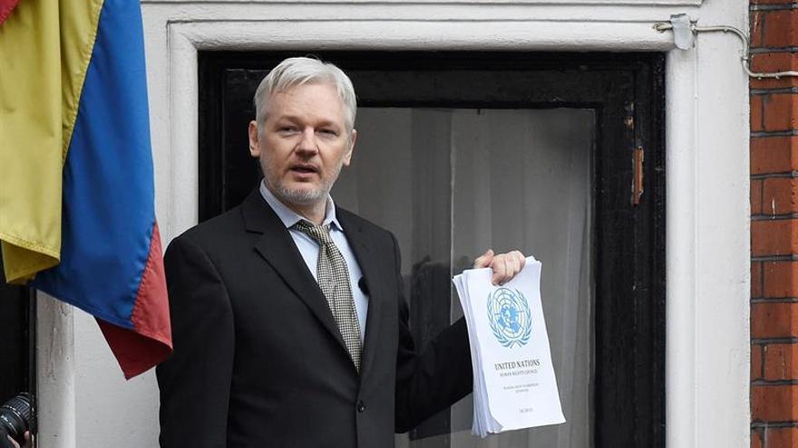 El embajador ecuatoriano defiende el caso de Assange ante el Foreign Office