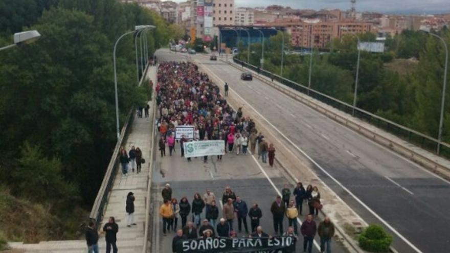 Manifestación en Cuenca contra los recortes en sanidad, 14/10/14 / foto: elporvenirclm.com