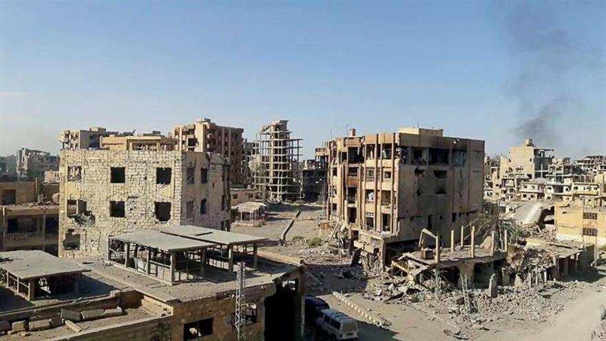 Intensos combates continúan entre tropas leales a Bachar y el EI en Albukamal