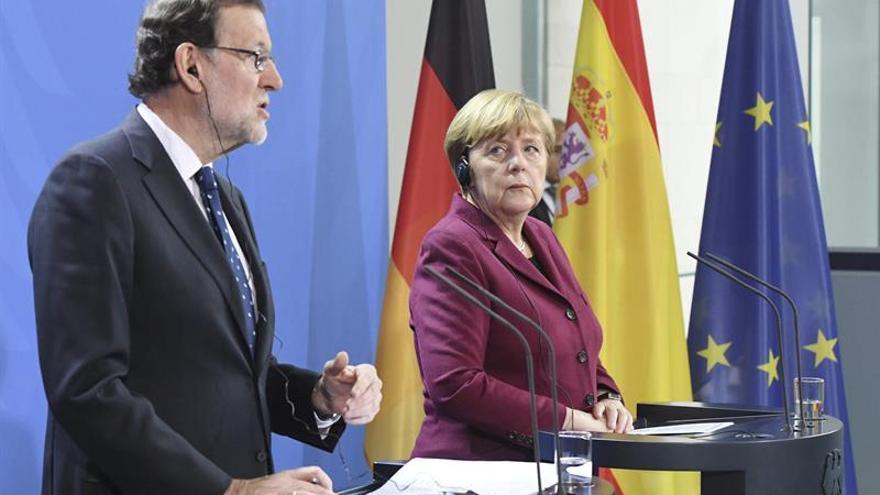 Rajoy asegura que hablará con los partidos si hay alguna subida de impuestos