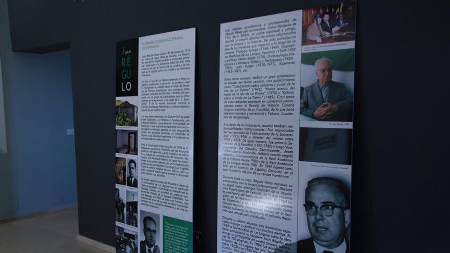 La exposición de Juan Régulo se compone de varios paneles explicativos. Foto: CECILIA RODRÍGUEZ