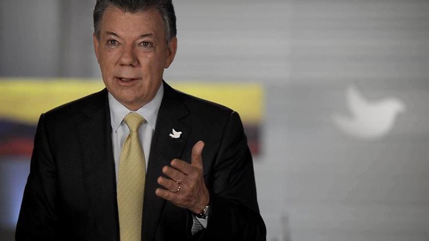 """Santos dice que """"un nuevo acuerdo ya"""" con las FARC es un clamor ciudadano"""