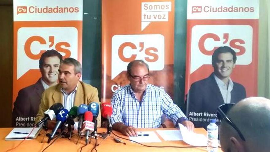 Francisco javier Fragoso, junto con García Borruel presentando el acuerdo alcanzado en Badajoz / PP
