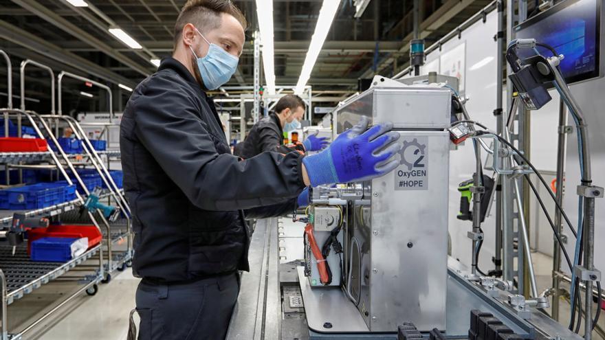 Las ventas de la industria bajaron el 33,1 % en mayo