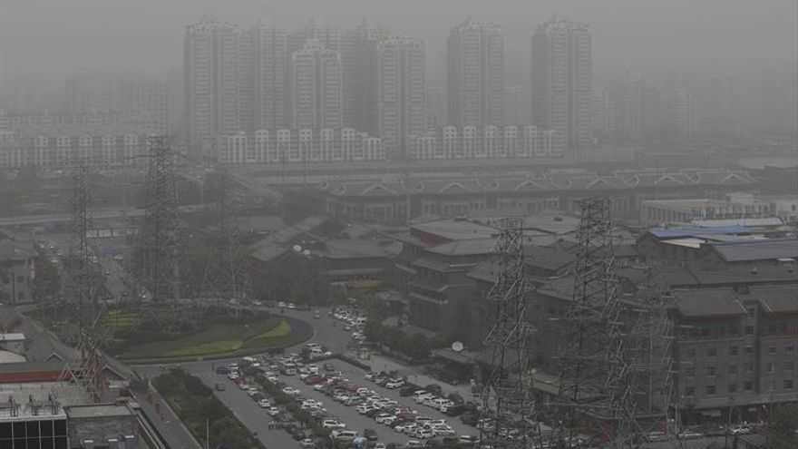 Pekín y otras zonas del norte de China, en alerta naranja por contaminación