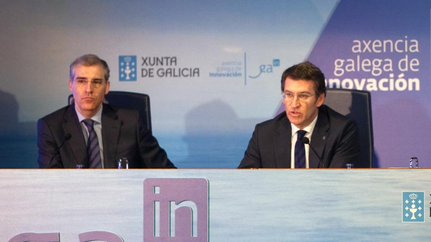Alberto Núñez Feijóo (derecha) y el conselleiro de Economía, Francisco Conde, en una imagen de archivo