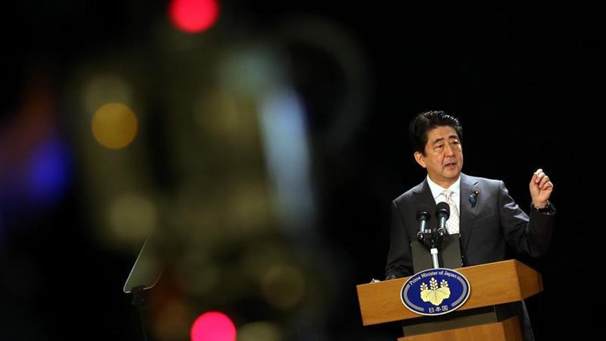 Abe despeja el camino al despliegue empresarial nipón en una histórica visita a Cuba