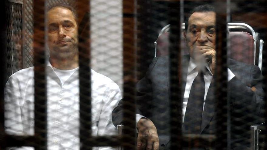 Suiza prolonga un año la congelación de activos de Ben Ali, Mubarak y Yanukóvich