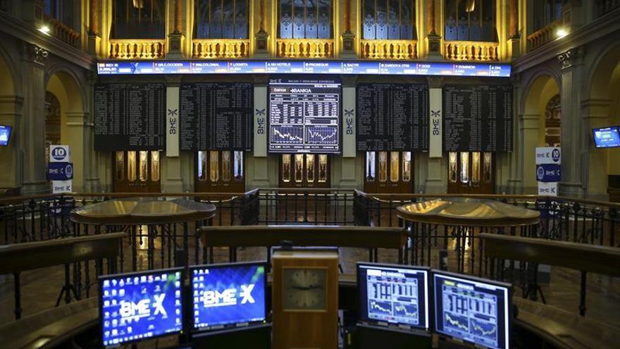La Bolsa española cae un 0,12 % tras la apertura y mantiene los 9.300 puntos