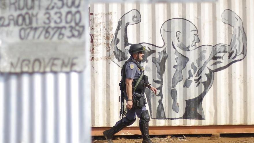 Muere la quinta persona en dos semanas en protestas en Sudáfrica