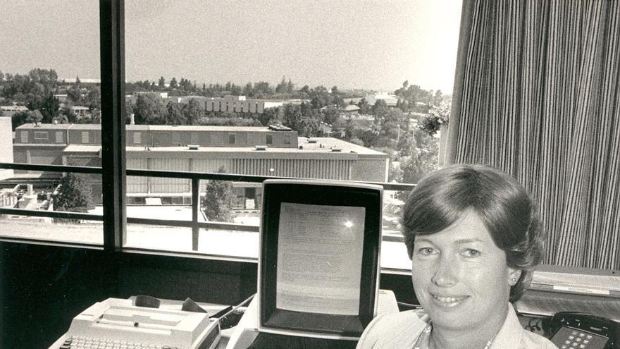 Tras ser despedida de IBM, Lynn Conway continuó realizando avances en la arquitectura de los ordenadores (1983)