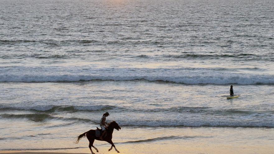 Agadir posee kilómetros de playas de arena blanca donde es posible realizar todo tipo de deportes