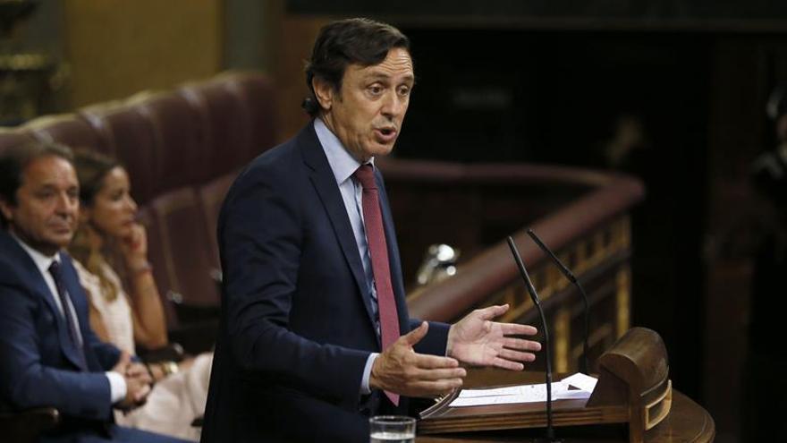 """El PP advierte a Rivera de que no firma pactos """"para quince minutos"""""""