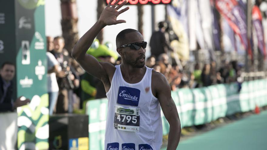 El keniano Moses Mbugua se proclamó ganador de la Gran Canaria Maratón.