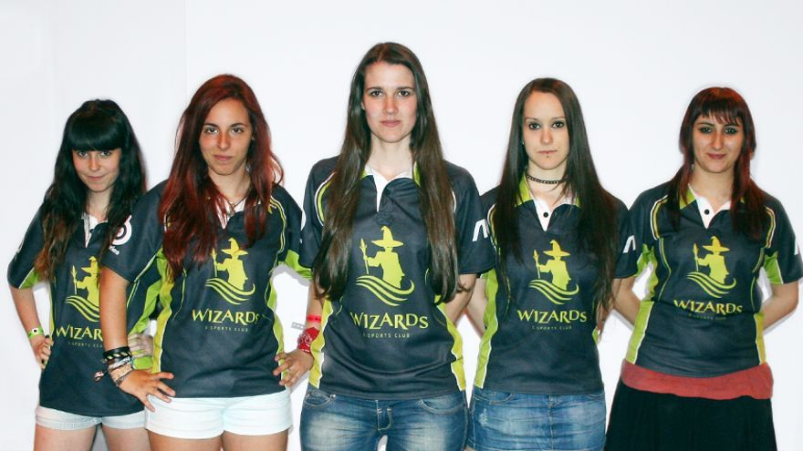 Equipo femenino de League of Legends de Wizards