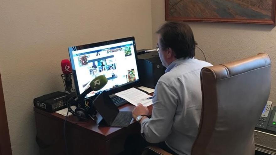 El presidente de la Junta de Extremadura, Guillermo Fernández Vara, en la reunión virtual del Consejo de Gobierno
