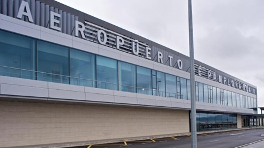 Aena licita la concesión de un espacio de restauración y multitienda en el aeropuerto de Noáin