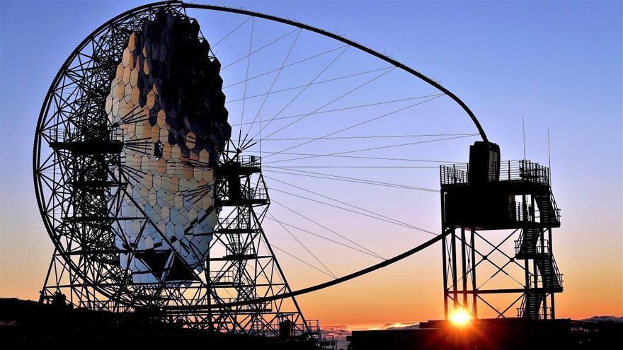 El Telescopio Cherenkov LST-1 de la red CTA Norte en el Observatorio del Roque de Los Muchachos (Garafía). Crédito: Iván Jiménez (IAC)