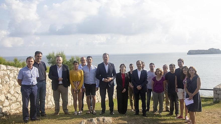 """Blanco sostiene que Cantabria tiene que ser """"líder"""" en el proceso de descarbonización energética"""