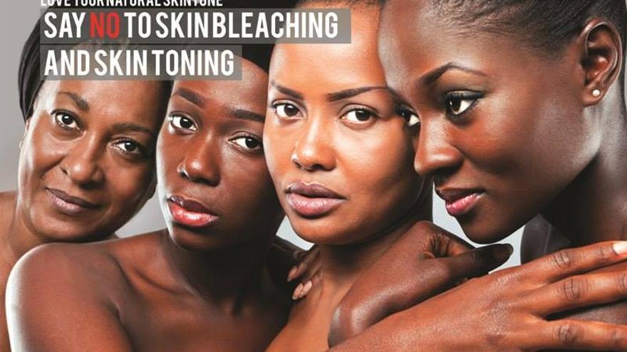 Imagen de la campaña 'Amo mi tono de piel natural' contra el blanqueamiento de la piel en Ghana.