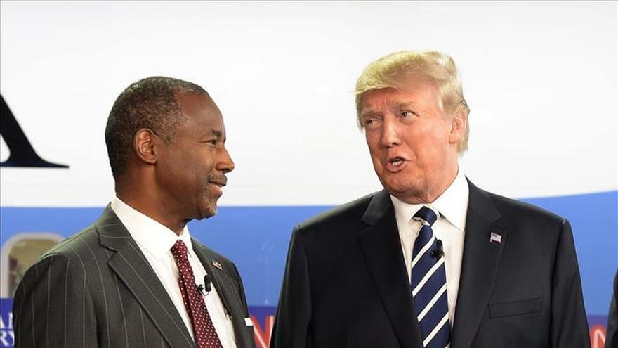 Trump y Carson casi empatados en la lucha por la nominación presidencial en EE.UU.
