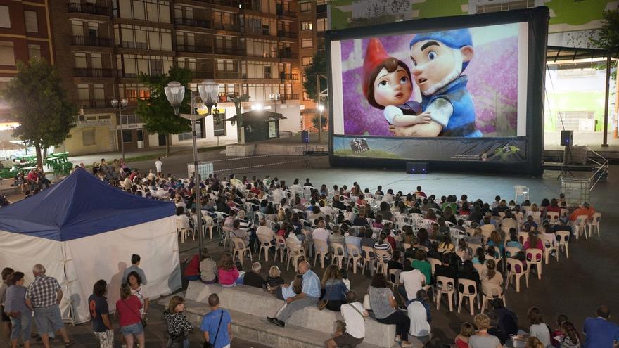 A licitación la organización del V Circuito de Cine al Aire Libre 'EnREDarte'