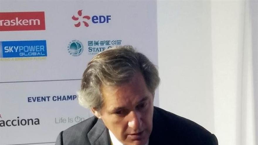 """Entrecanales ataca a los """"populismos"""" y defiende la contribución social de las empresas"""