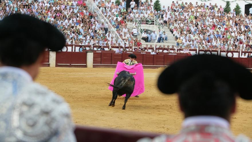 El Parlament balear aprueba la Ley de regulación de las corridas de toros y protección de los animales en Baleares