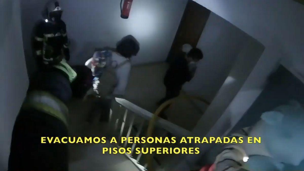 Imagen del vídeo grabado por un bombero en el incendio de Miralbaida.