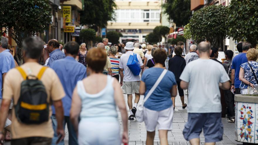 Turistas paseando por Las Palmas de Gran Canaria ©Flickr LPA Visit