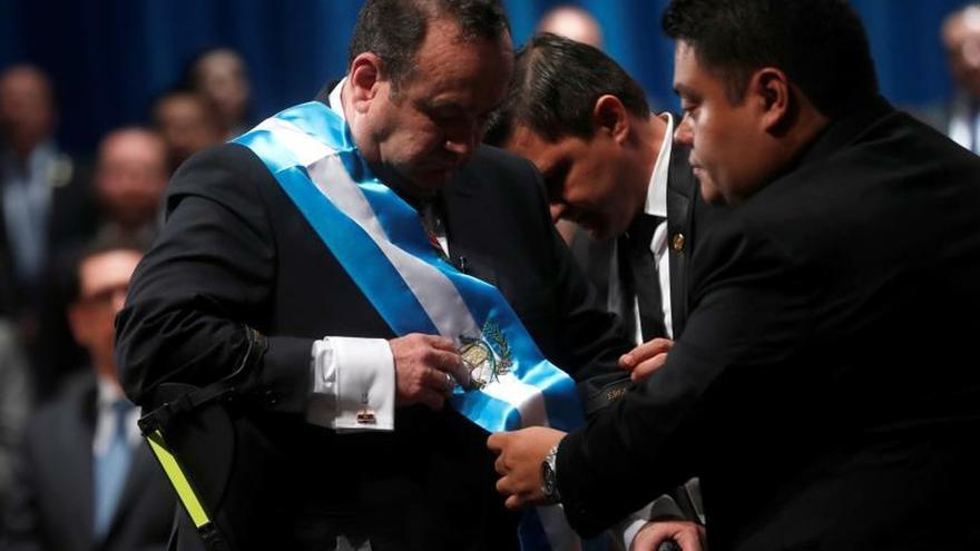 Alejandro Giammattei toma la batuta de Guatemala confiado en cambiar el rumbo