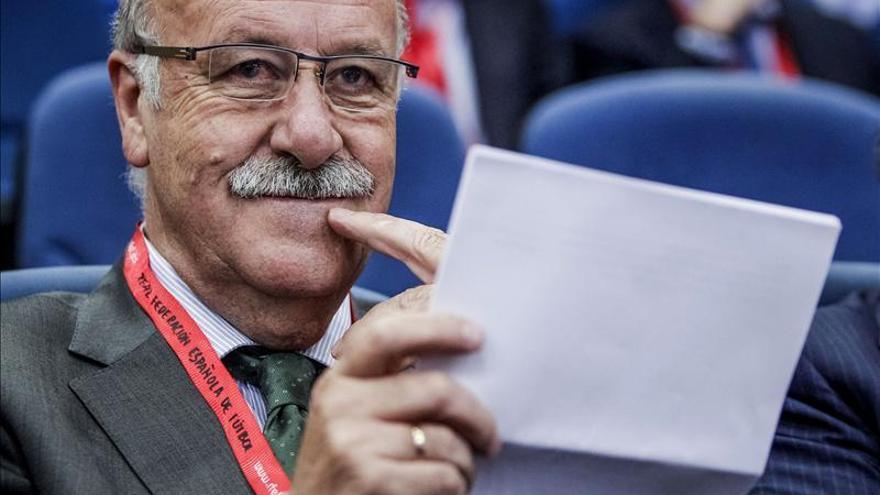 Vicente Del Bosque anima a participar en las carreras de la Asociación contra el Cáncer