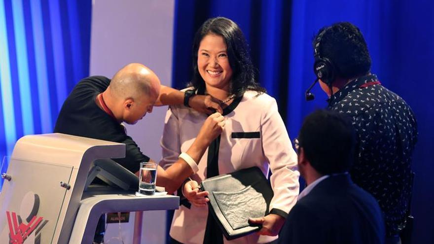 Keiko Fujimori sorprendida por el apoyo de izquierdista Mendoza a Kuczynski