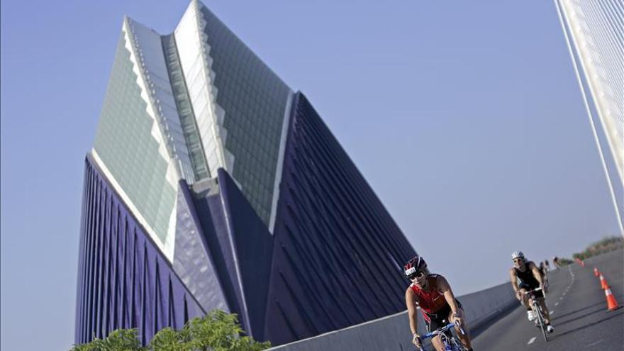 El Ágora de Calatrava en Valencia también sufre problemas en su cubierta